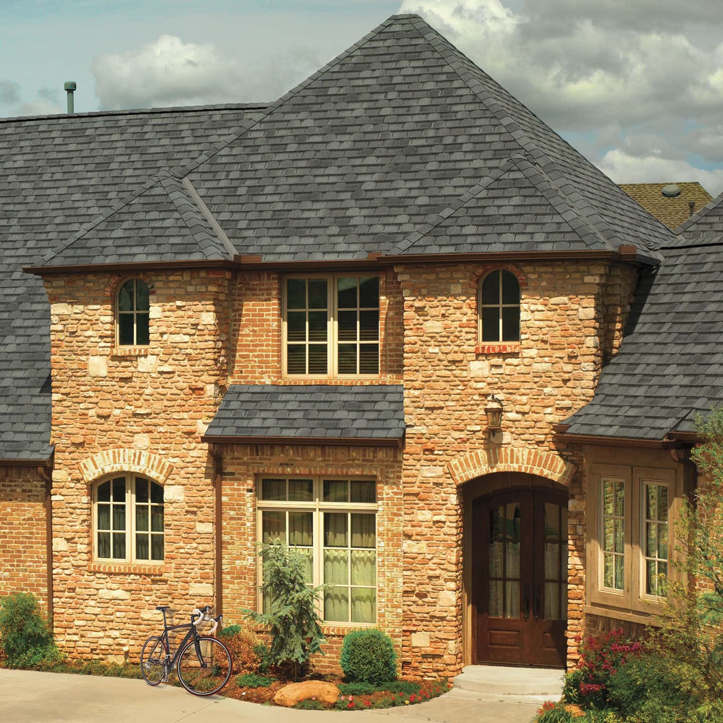 GAF Camelot II Antique Slate House