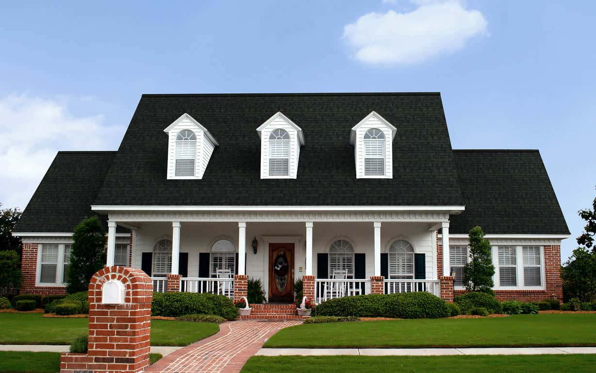Owens Corning Duration Storm Onyx Black House