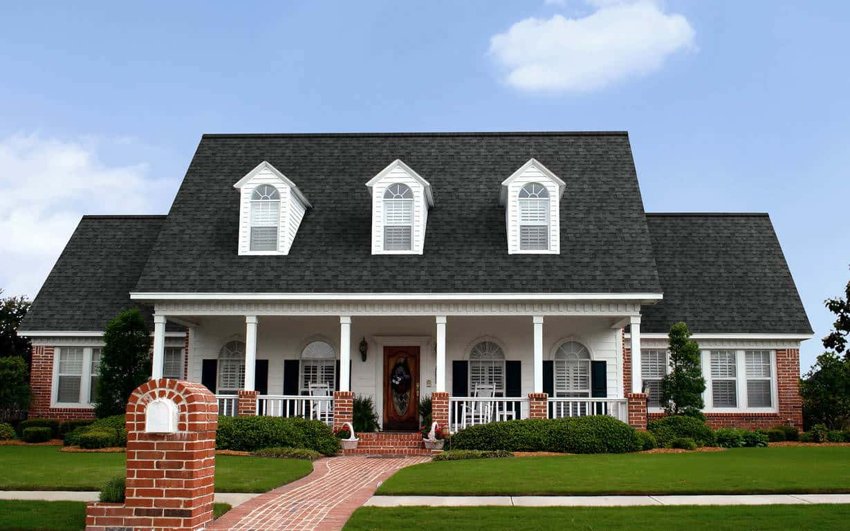 Owens Corning Oakridge Twilight Black House