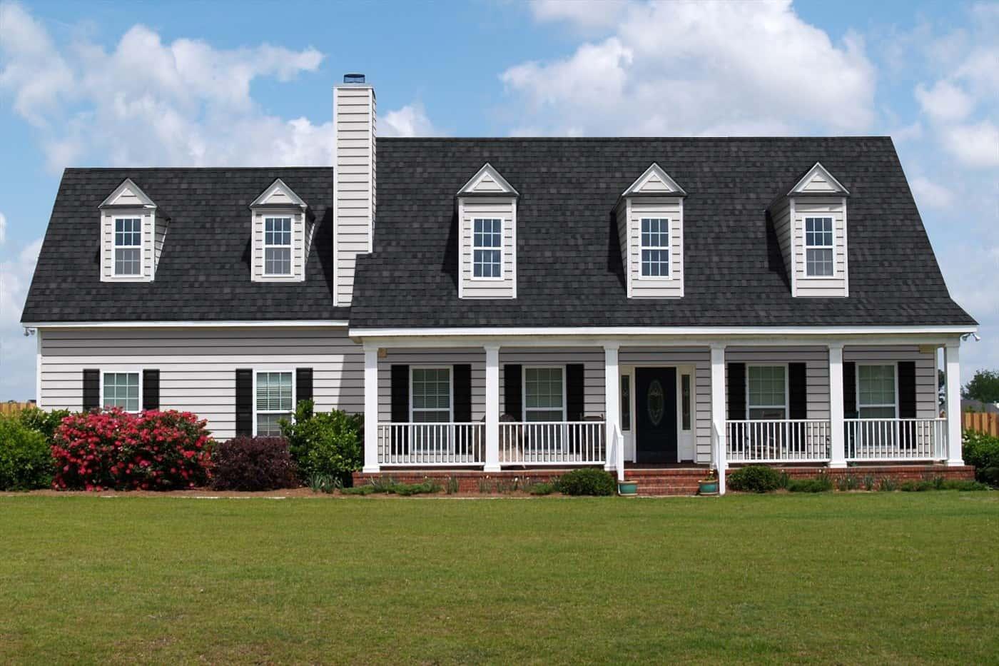 TAMKO Heritage IR Rustic Black House