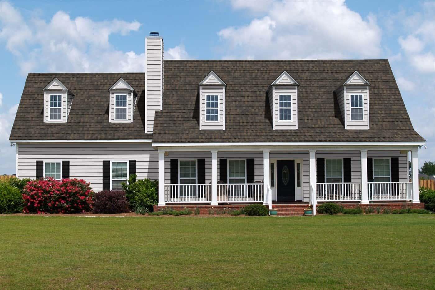 TAMKO Heritage IR Rustic Slate House