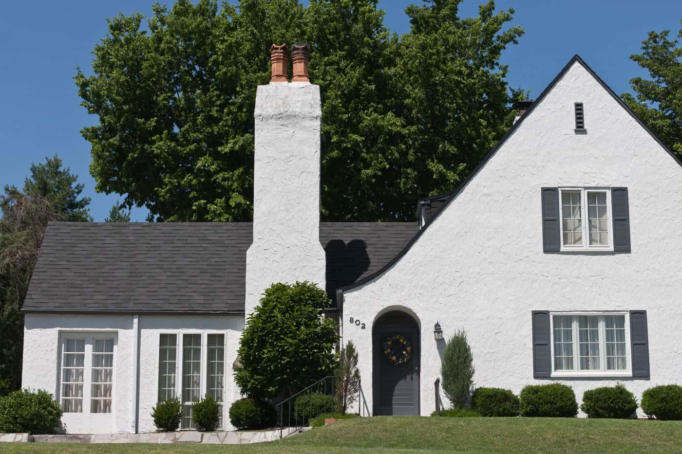 TAMKO Heritage Woodgate Black Sage House