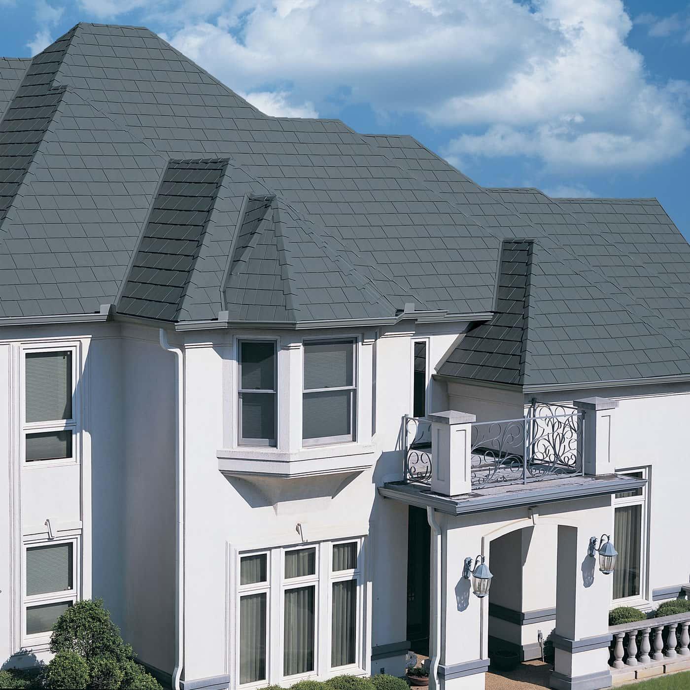 TAMKO Metalworks Astonwood Sierra Slate Grey House